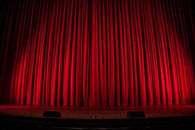 Kaupunginteatteri tarjoaa viihdettä moneen makuun